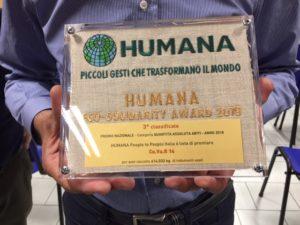 Premio Humana recupero indumenti