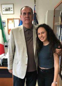 Clara Musso con il preside Franco Zanet