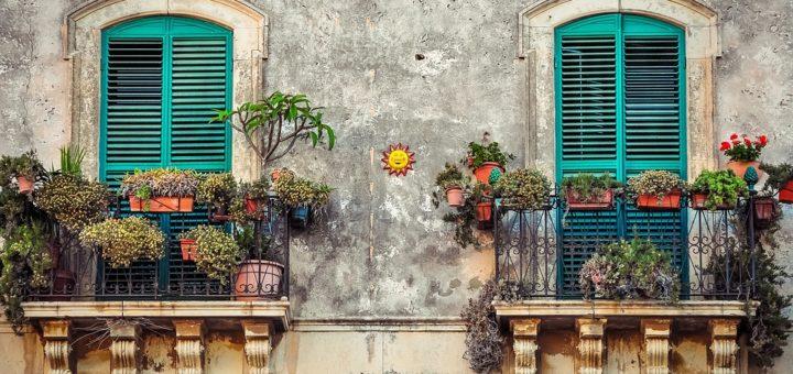 I balconi nella rubrica legale Diritto e Castigo