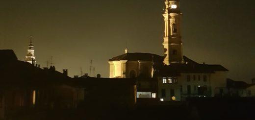 Parrocchia di Carignano, campanile illuminato